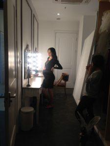 Portrait femme enceinte, studio photo