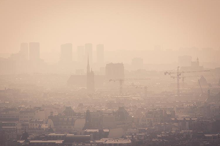 Smog sur Notre Dame depuis Montmartre le 8 mars 2014