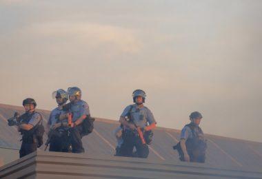 Emeutes Violences policières démocratie